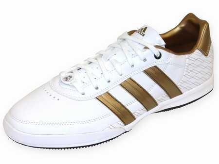 chaussures sport salle junior chaussure sport fille chaussures sport elegantes. Black Bedroom Furniture Sets. Home Design Ideas